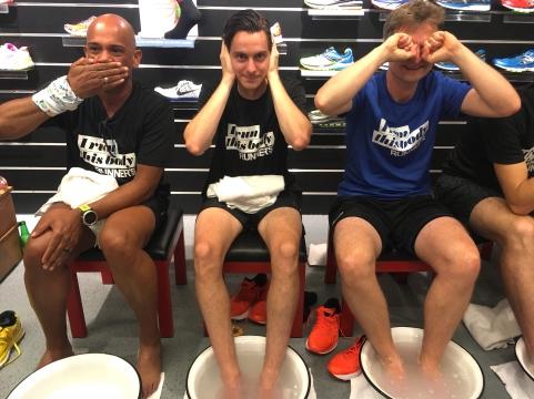 # runners met hun voeten in een bakje water, dan krijg je dit soort taferelen