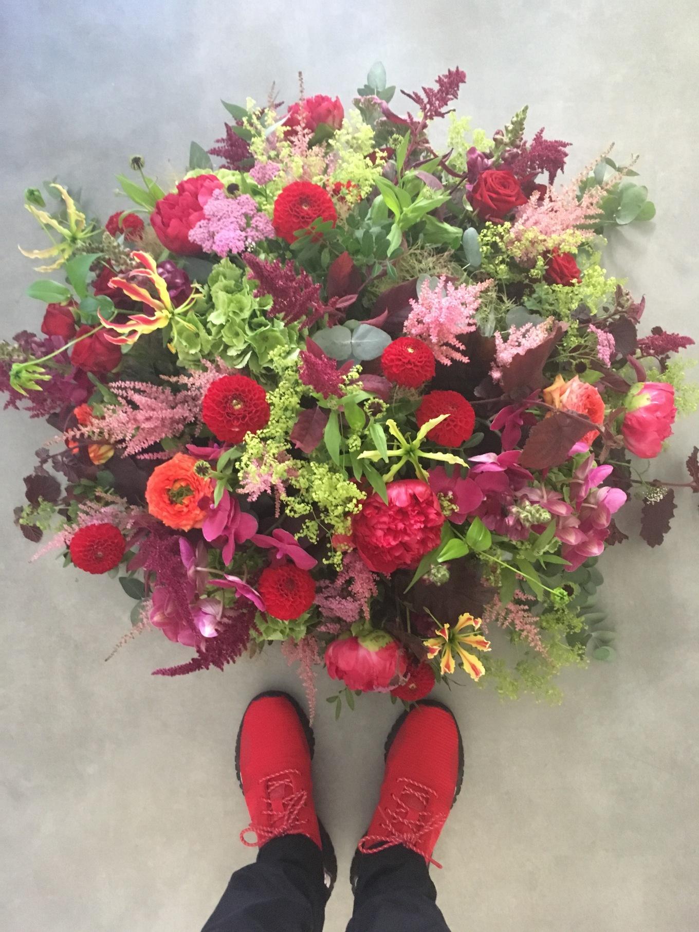 Rode rozen en rode schoenen